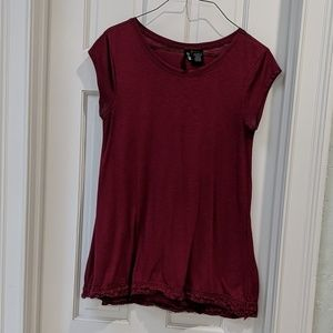 Maroon tunic with lace hem, sz M